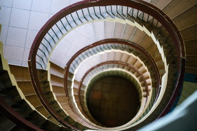 zábradlie na schodoch.jpg