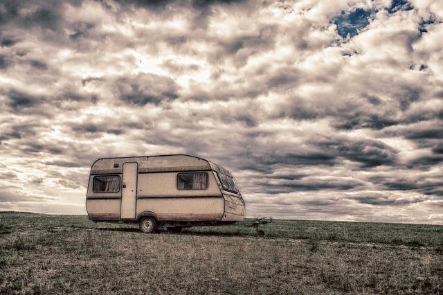 Karavan, obloha